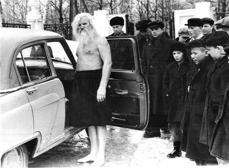 Порфирий Корнеевич Иванов зимой босиком