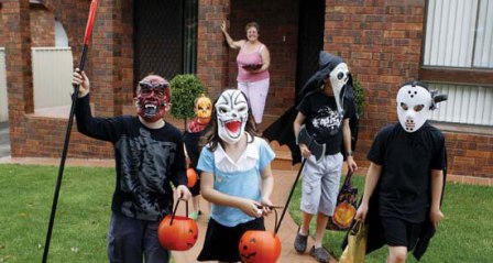 хэллоуин уродливые маски