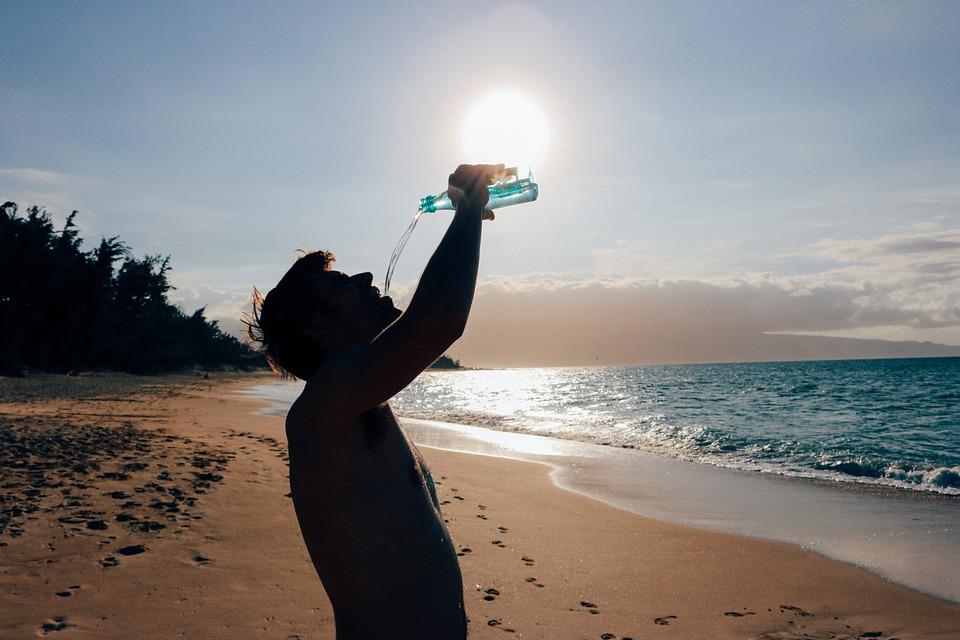 Как приучить себя пить воду.